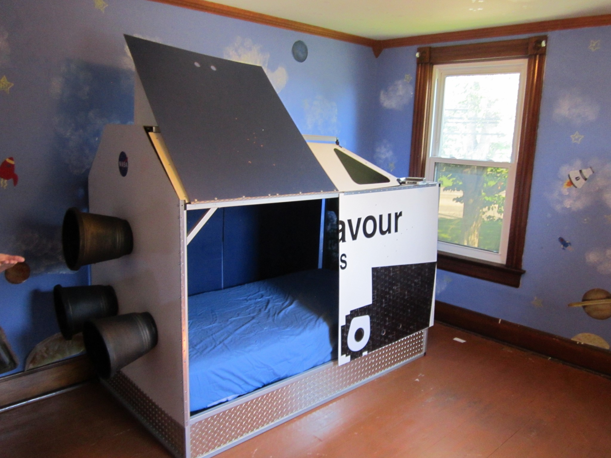 Rocket bed home design for Childrens rocket bed