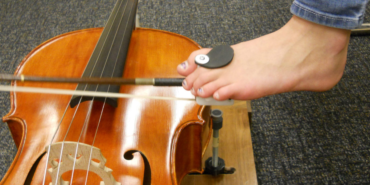 Cello foot bow holder